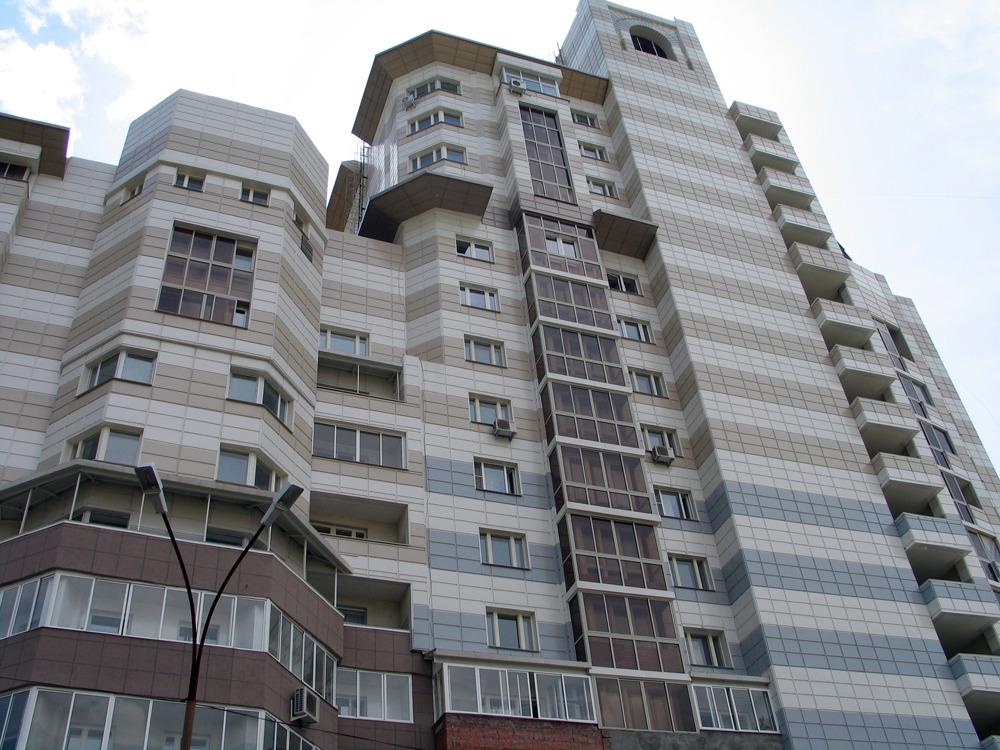 Фиброплиты на жилом доме - Екатиренбург